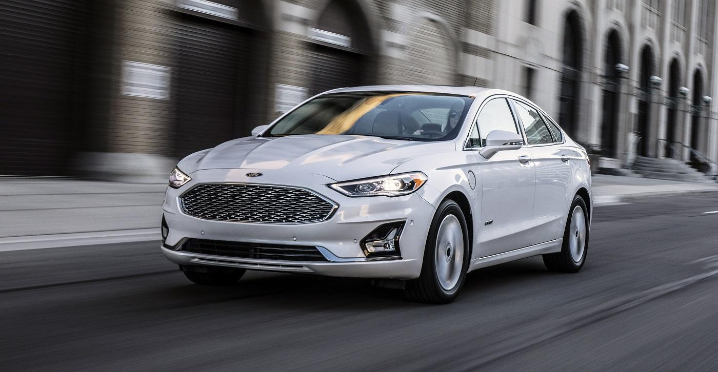 Ford Fusion Hibrido 2019 resena ventajas desventajas