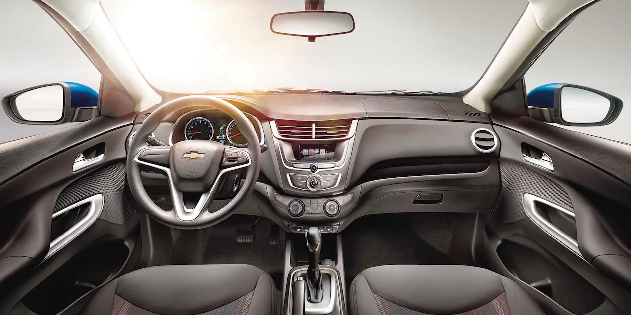 El interior del Chevrolet Aveo 2020 precio en México es muy funcional e intuitivo