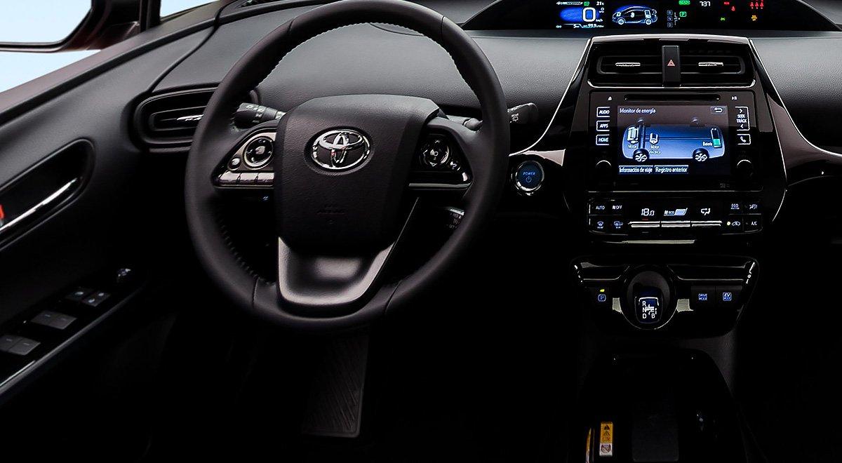 El Toyota Prius Premium 2019 tiene algunas zonas en cabina que se sienten económicas