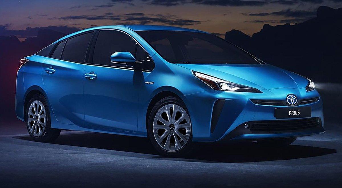 El Toyota Prius Premium 2019 luce un diseño menos arriesgado, pero mantiene una estética controversial