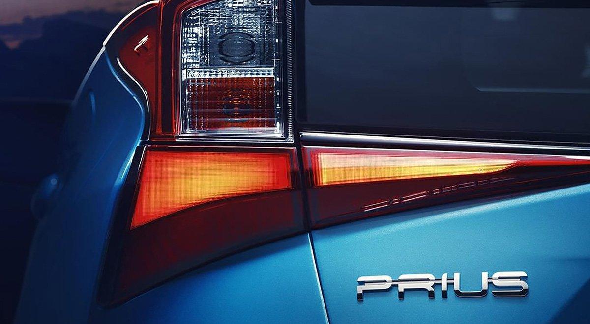 El Toyota Prius Premium 2019 destaca por su gran espacio en cabina
