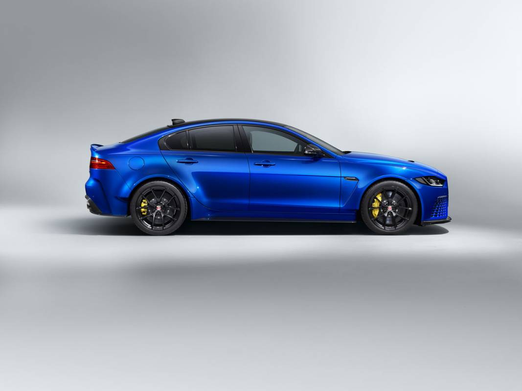 Jaguar XE SV Project 8 Touring 2020