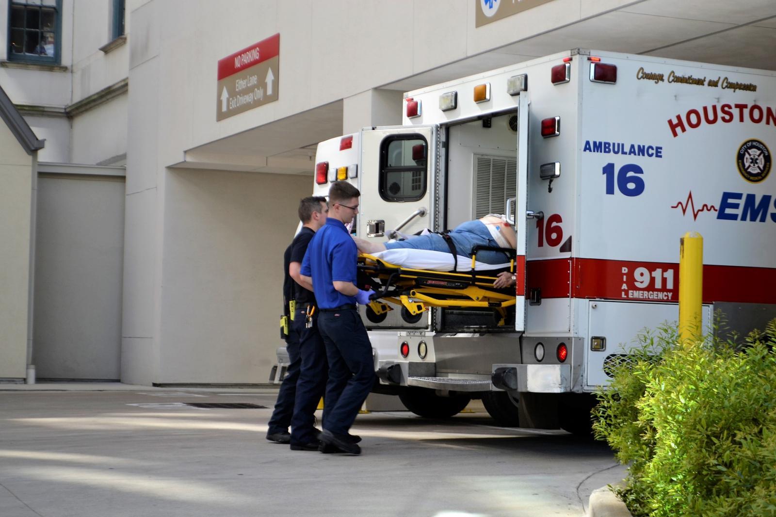 Ambulancia primeros auxilios