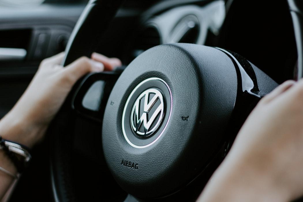 Volkswagen y Northvolt trabajarán juntos para facilitar la transición de la firma alemana hacia la completa movilidad eléctrica