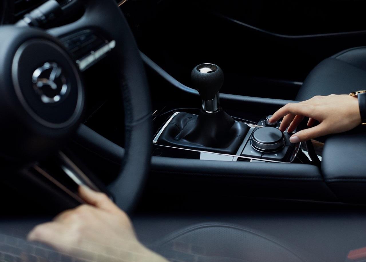 Mazda 3 controles