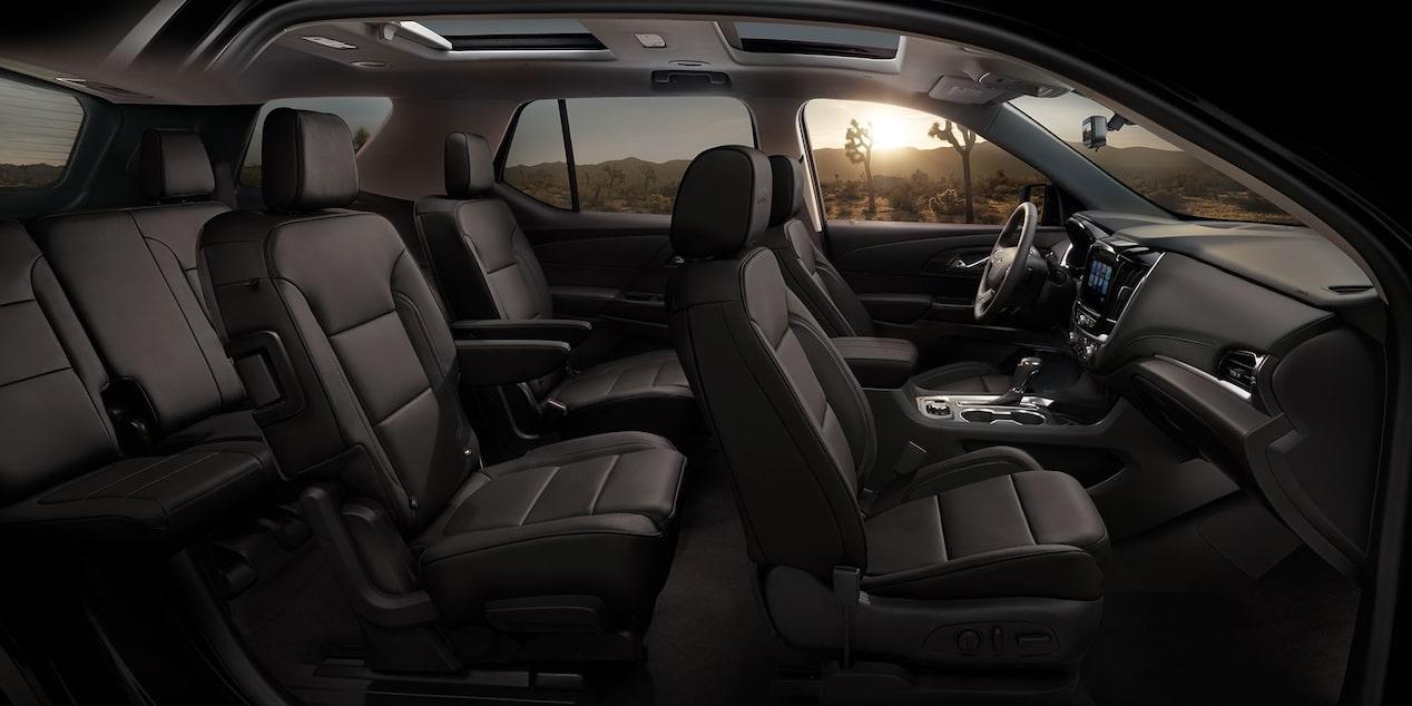La cabina de la Chevrolet Traverse LT 2019 es muy confortable y tecnológica