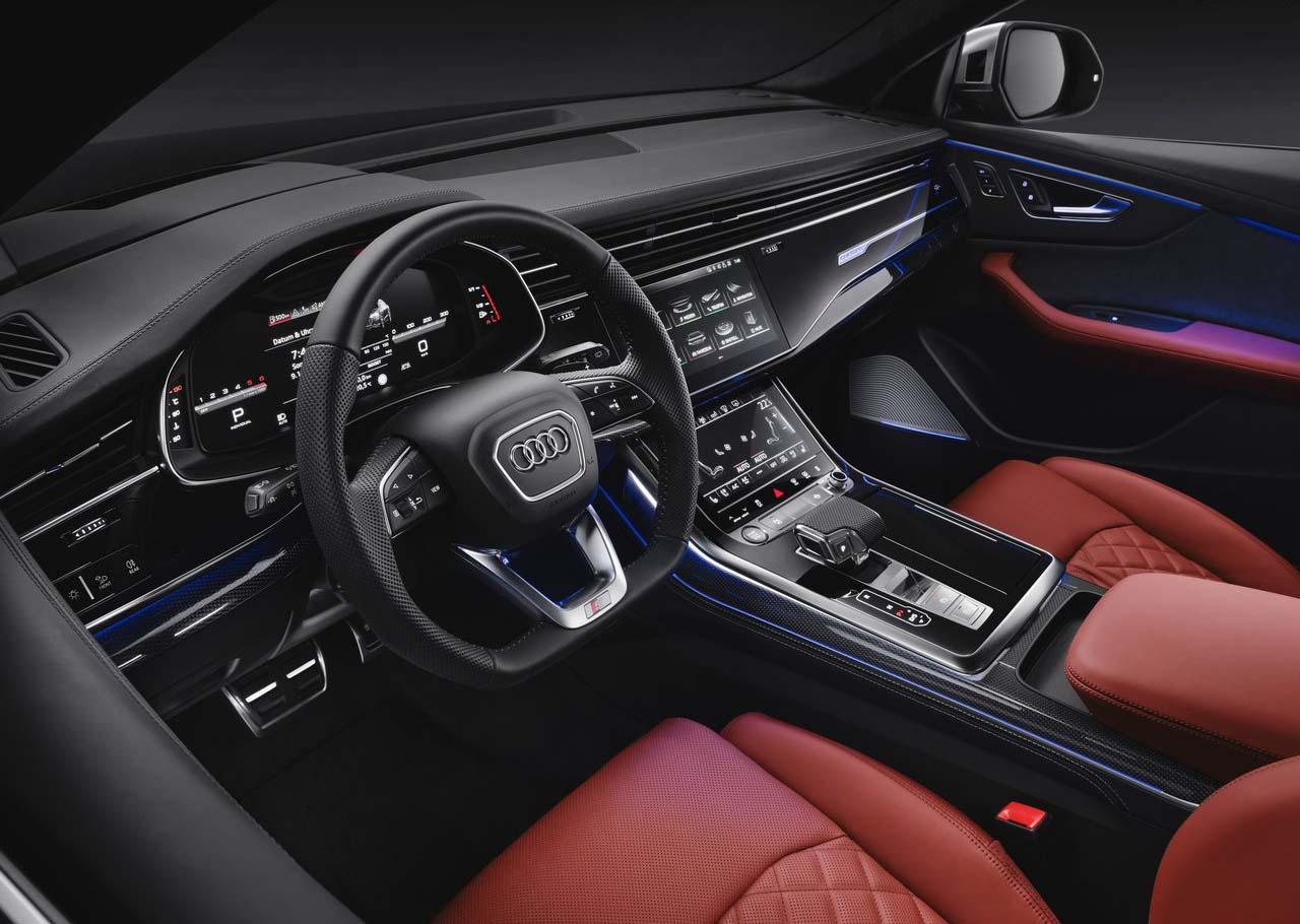 La Audi SQ8 tiene detalles en piel