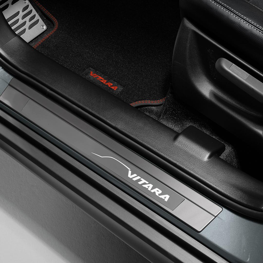 La Suzuki Vitara Boosterjet 2019 tiene materiales rígidos en cabina