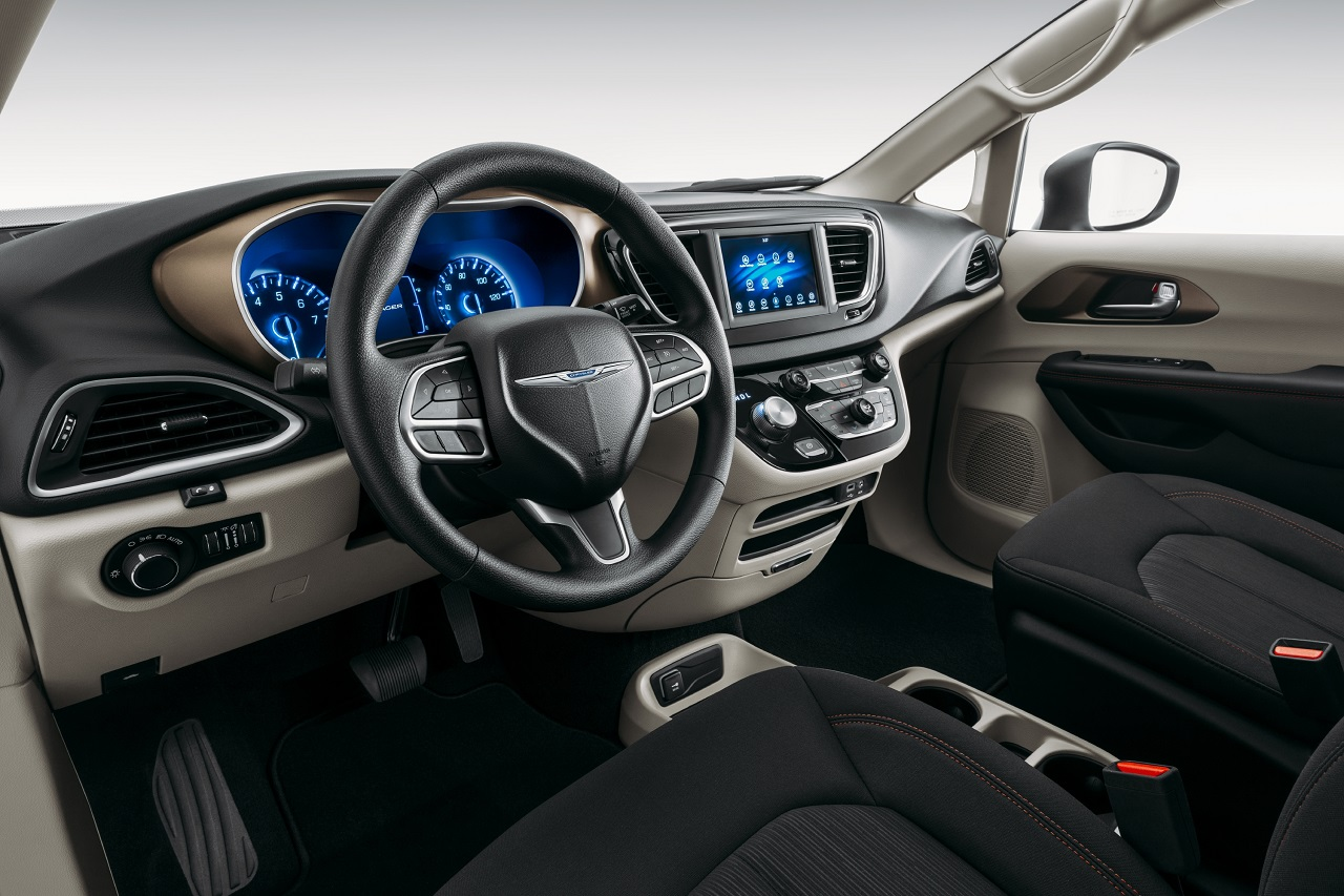 Chrysler Voyager 2020, la hermana pequeña de la Pacífica hace su debut