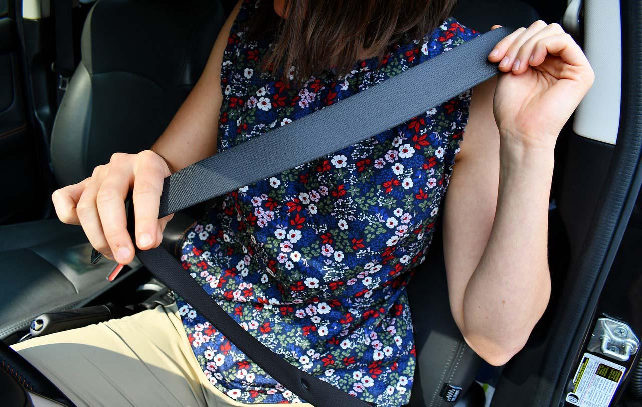 Los cinturones de seguridad son un elemento importante en el uso del automóvil