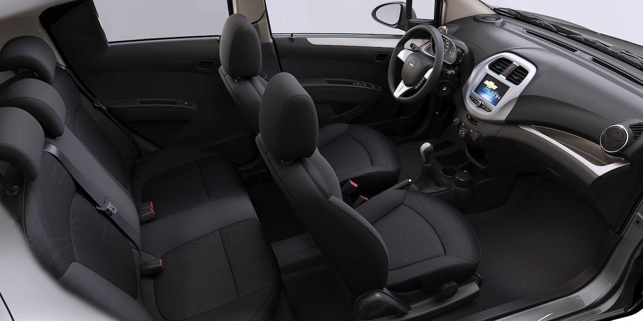La cabina del Chevrolet Beat 2020 precio en México tiene una cabina de espacio limitado en la línea trasera