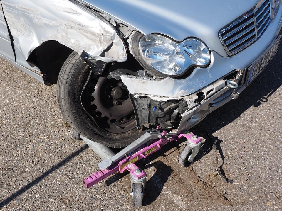 Mercedes-Benz rines dañados