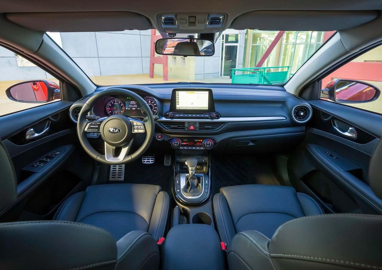 El Kia Forte GT Sedan 2019 cuenta con un habitáculo muy cómodo