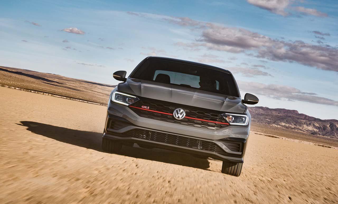 El Volkswagen Jetta GLI 2019 tiene una parrilla nueva
