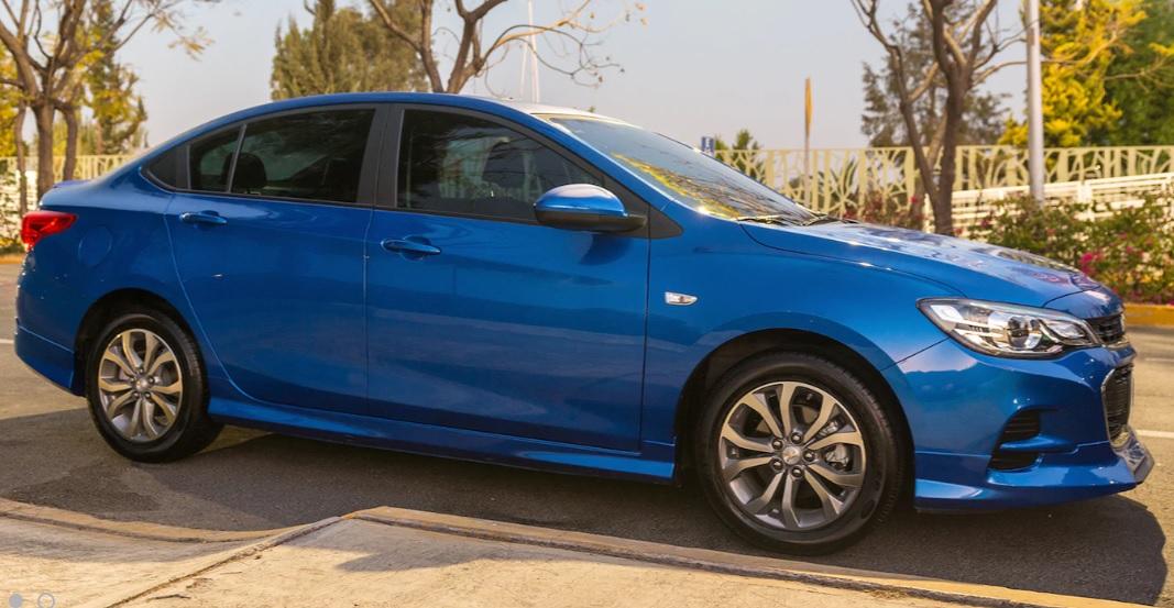 Chevrolet Cavalier LS 2019 Nissan Sentra Sense 2019 comparativa