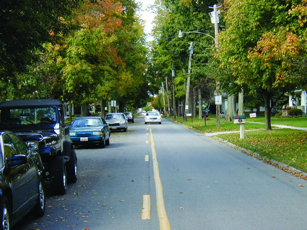 Cómo conducir en calles y carreteras estrechas