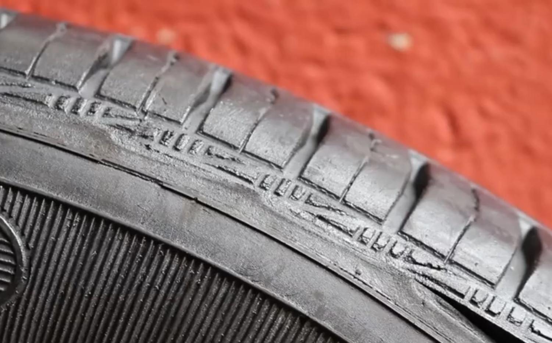 Neumático dañado renovado