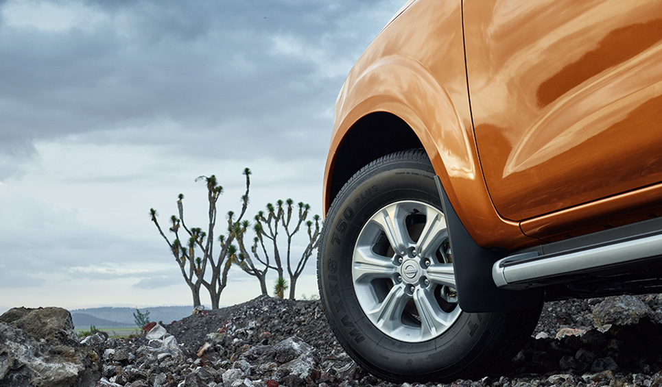 La Nissan NP300 Frontier 2020 precio en México cuenta con equipamiento de seguridad estándar dentro del segmento