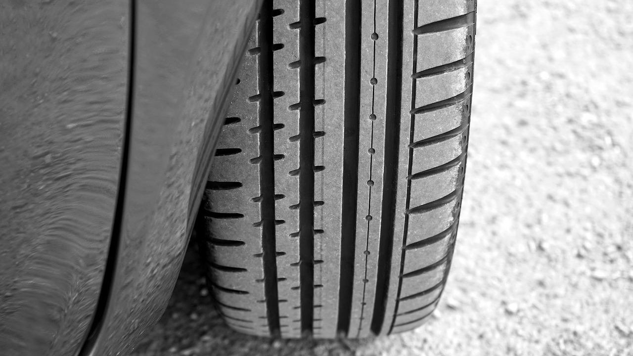 Con la llanta inteligente de Continental, los autos lograrían la pisada perfecta en casi cualquier terreno