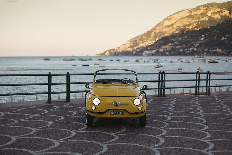 Hertz te renta un FIAT 500 clásico y eléctrico para que recorras Italia