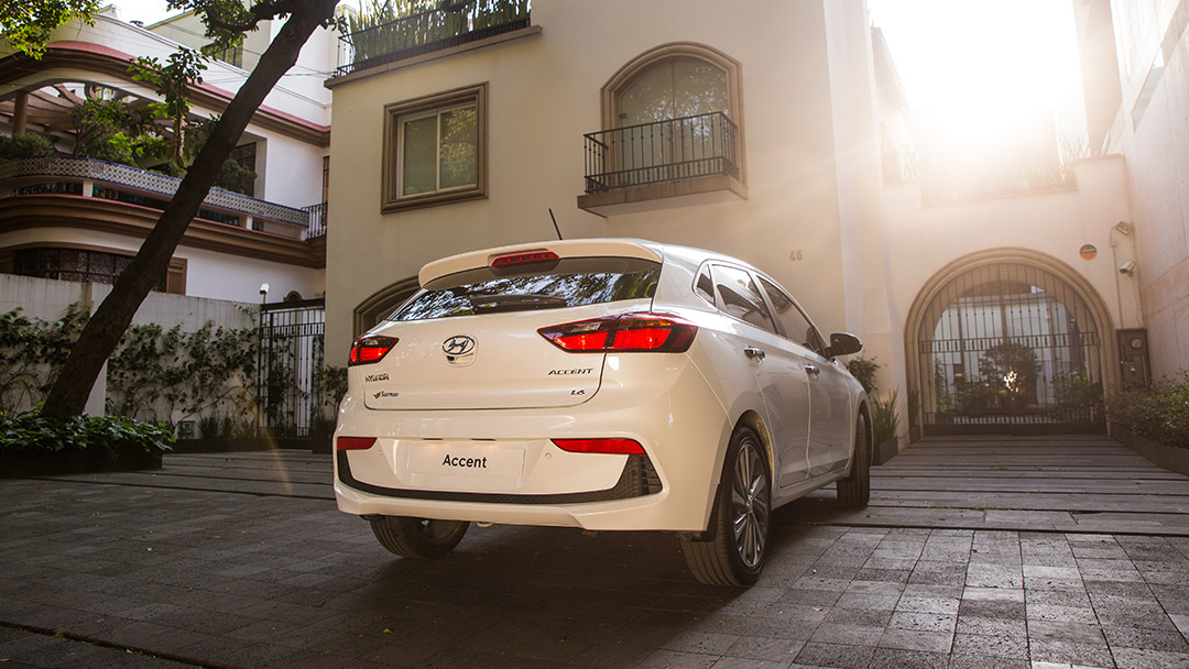 Hyundai Accent GL MID Hatchback 2020 resena ventajas desventajas