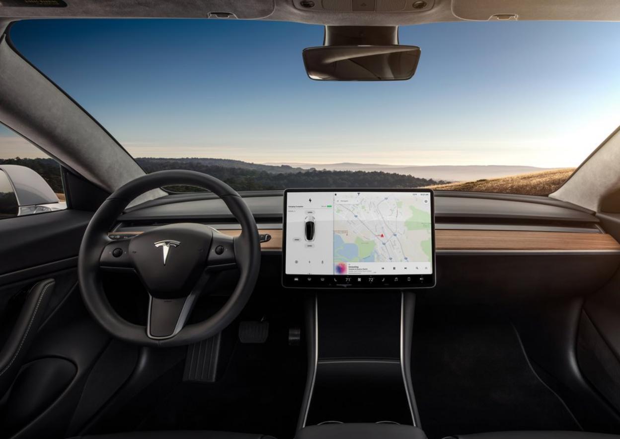 Autopilot de Tesla reduce de forma importante la posibilidad de sufrir un accidente
