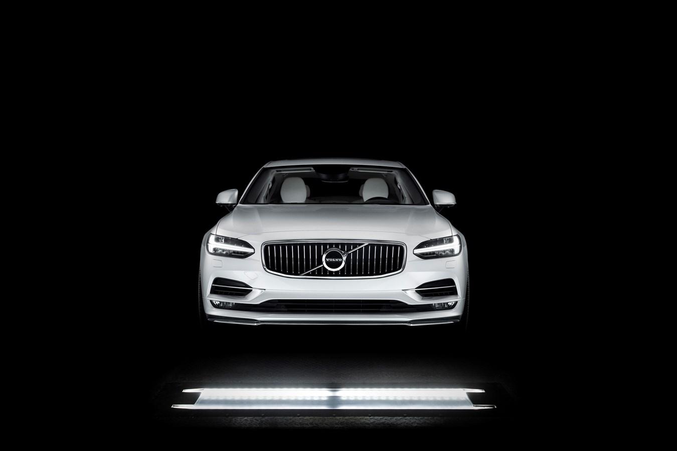 Volvo UVeye tecnología