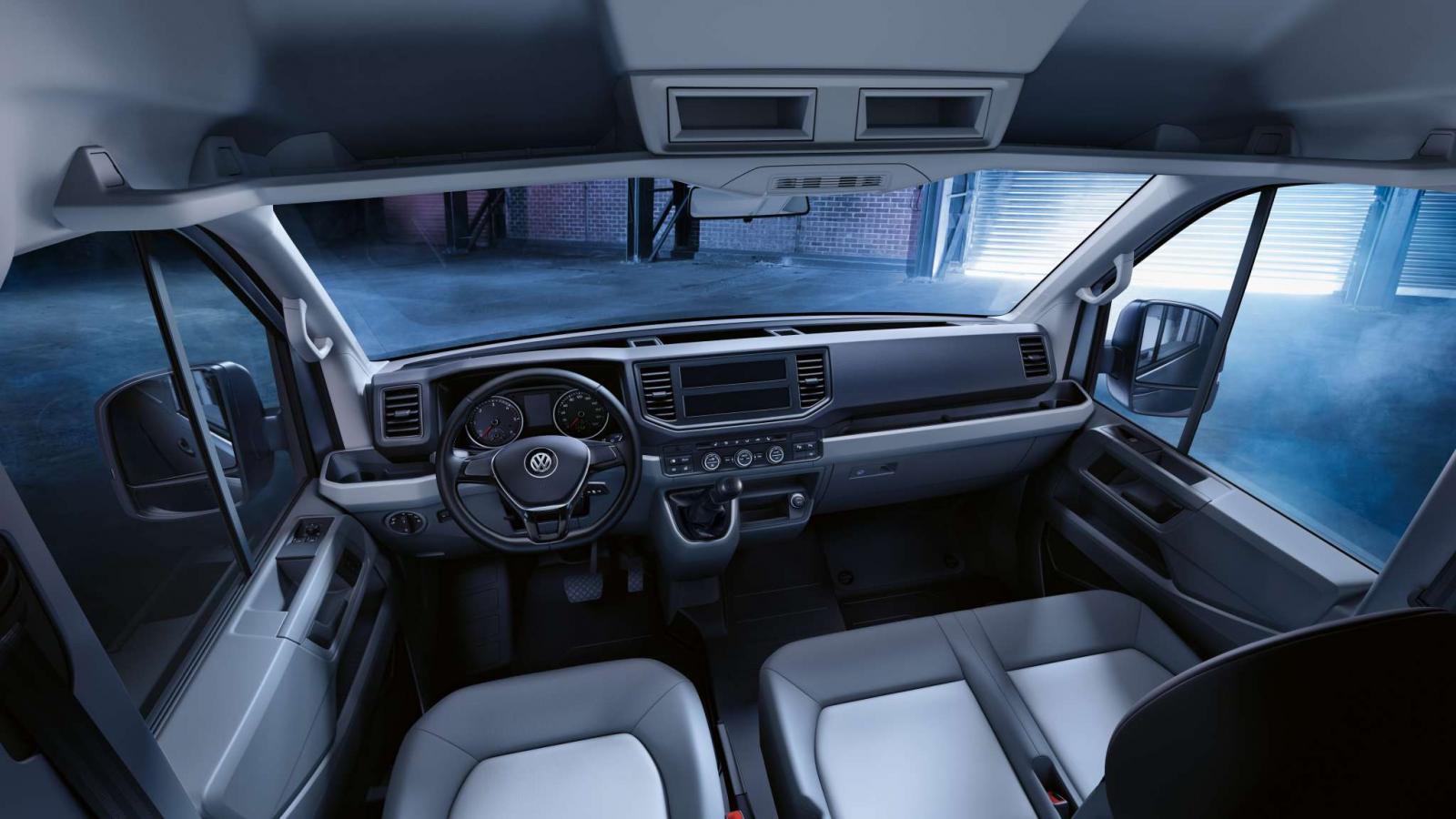 La cabina de la Volkswagen Crafter 4.9T 2020 precio destaca por su versatilidad