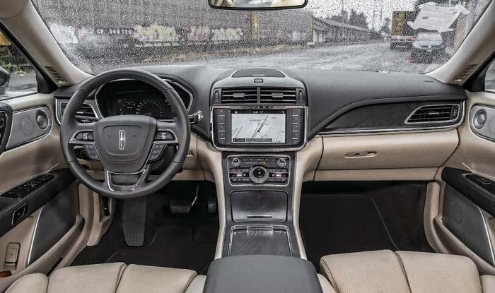 El interior del Lincoln Continental es de sus grandes fortalezas