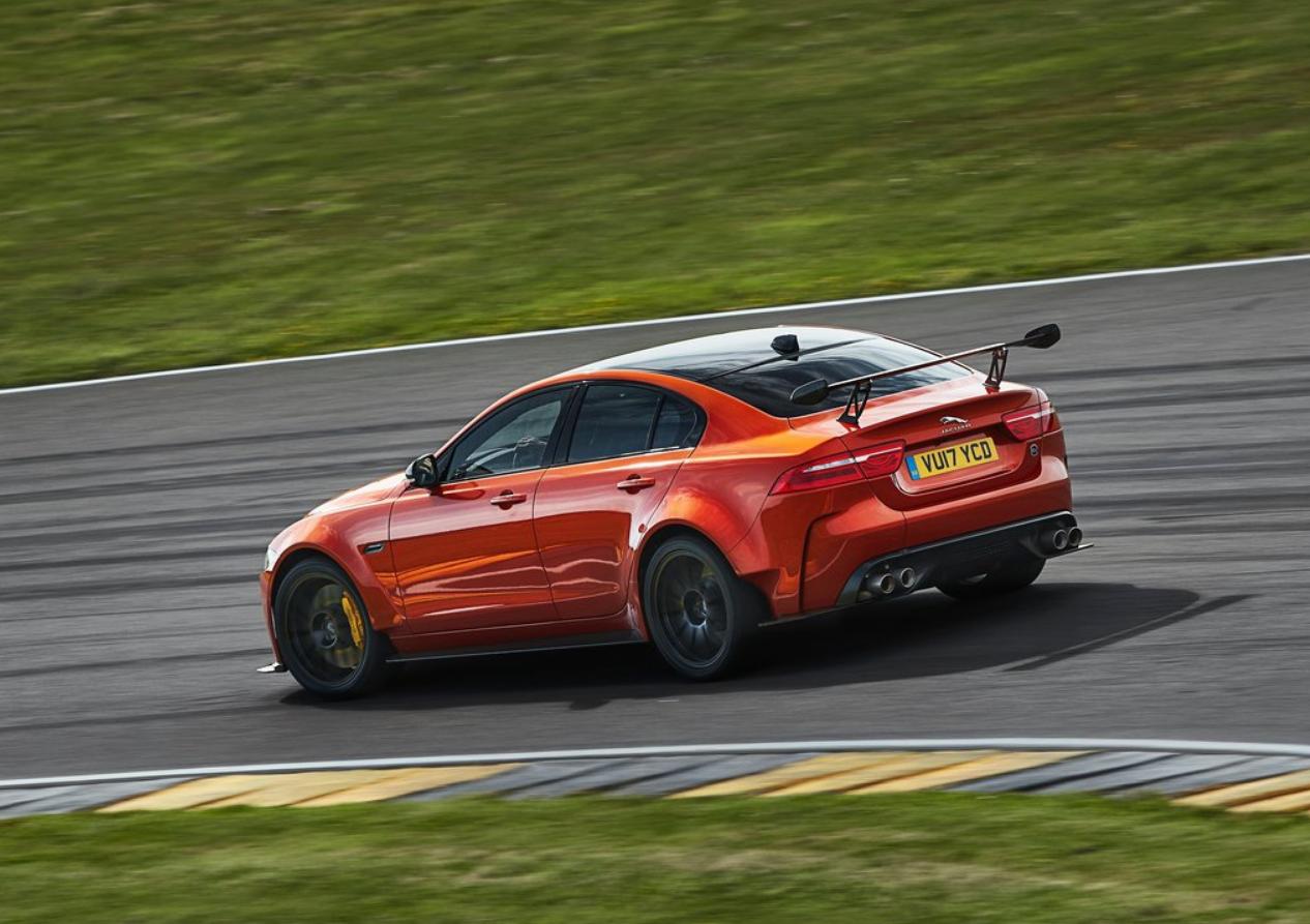 El Jaguar XE SV Project 8 bajó en 2.9 segundos su anterior marca