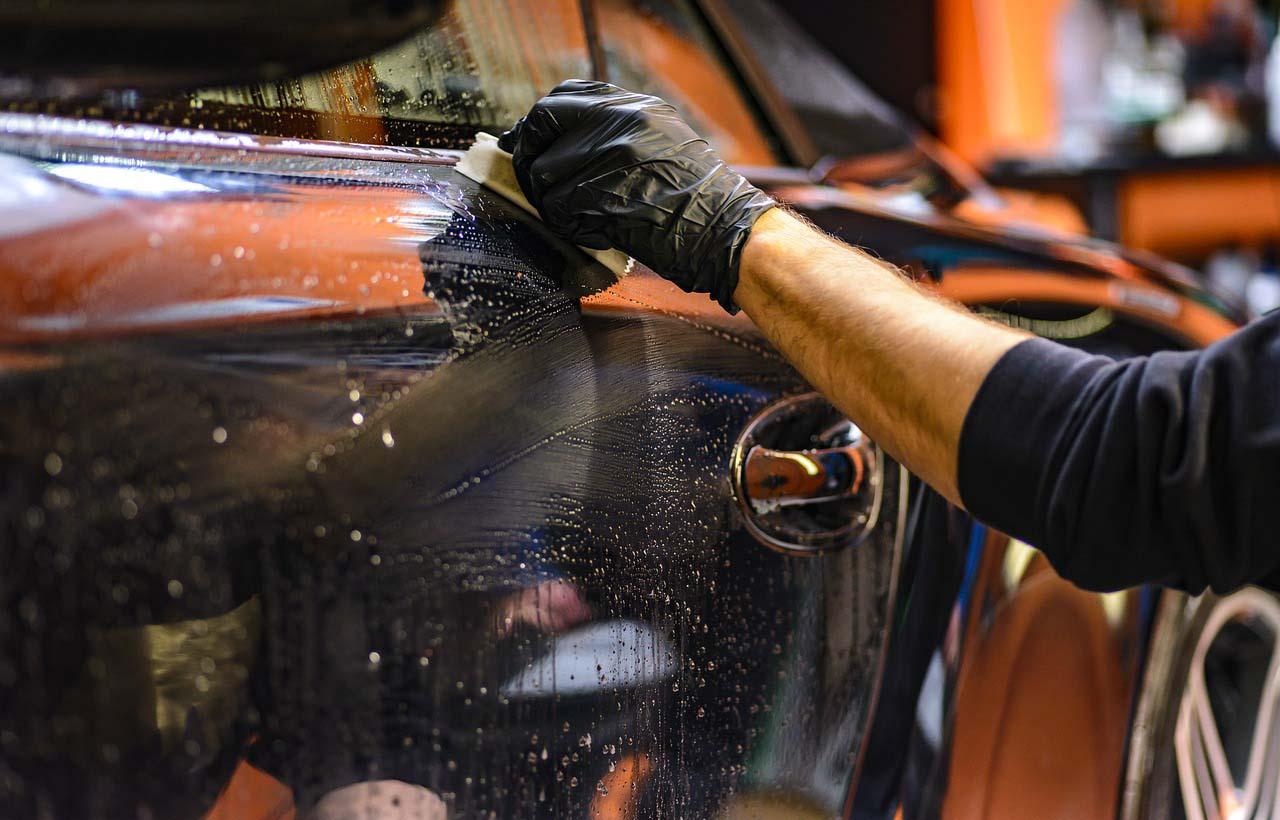 Hay quienes lavar el auto es todo un ritual