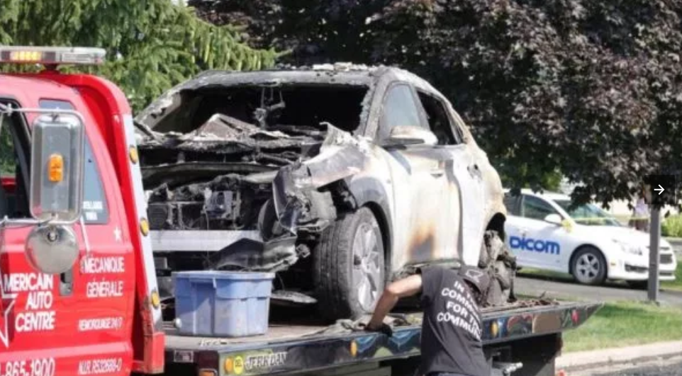La Hyundai Kona eléctrica voló parte del techo de la cochera