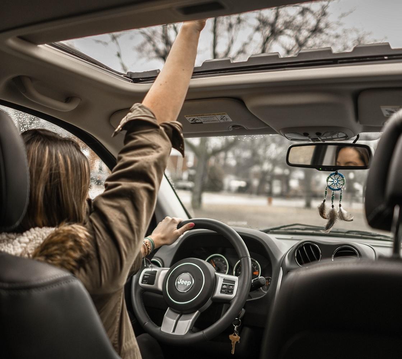 ¿Cómo saber si tu hijo está listo para conducir solo?