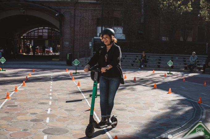Las autoridades de la capital comenzaron a retirar los scooters de las calles