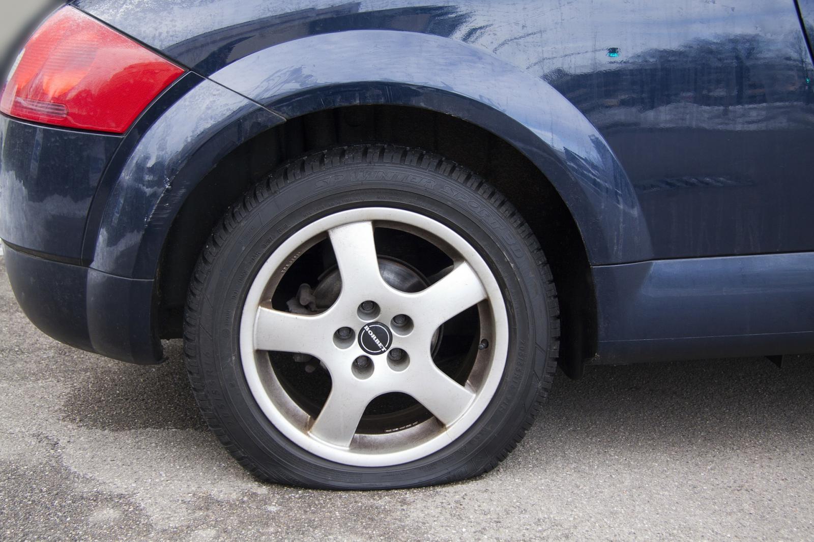Neumático ponchado