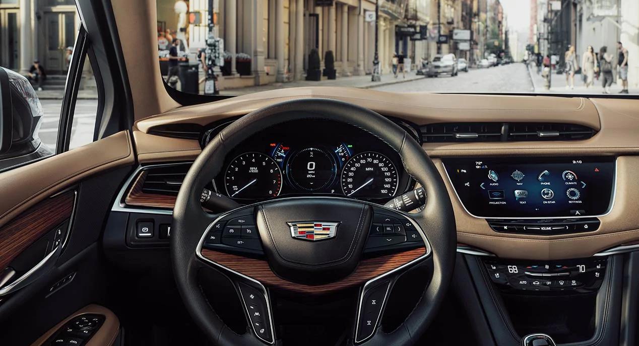 La Cadillac XT5 Platinum 2019 ofrece un manejo eficaz y confiable en casi todas las situaciones