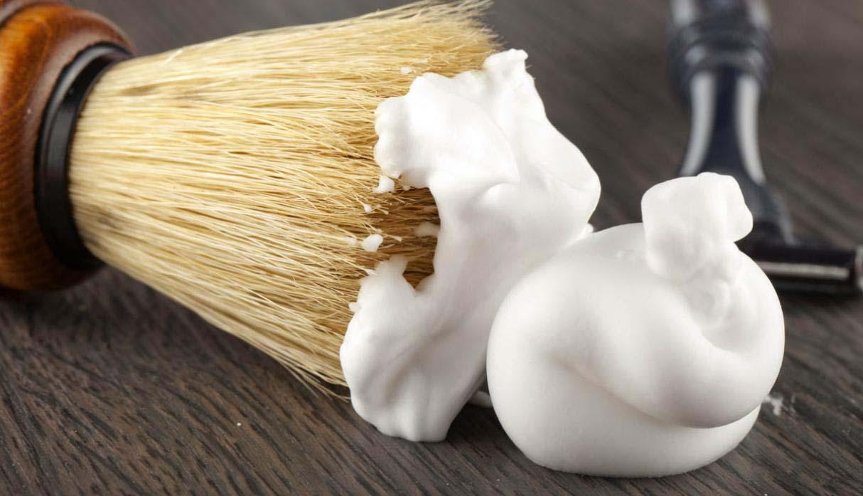 La crema de afeitar puede manchar tu auto