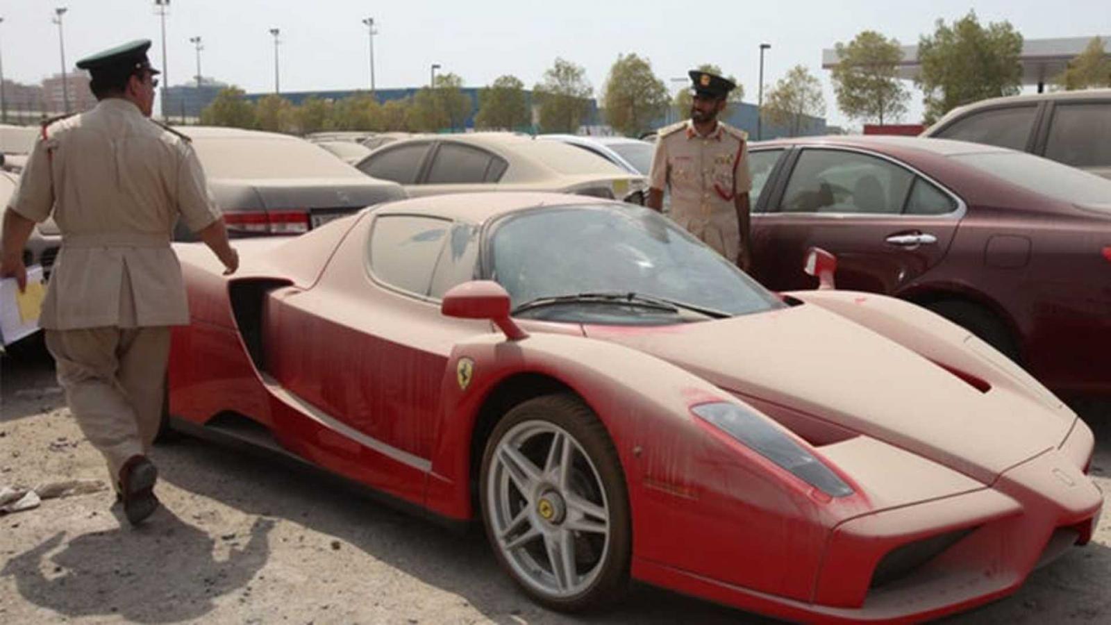 El trabajo de tus sueños está en Medio Oriente: ser buscador de autos de lujo