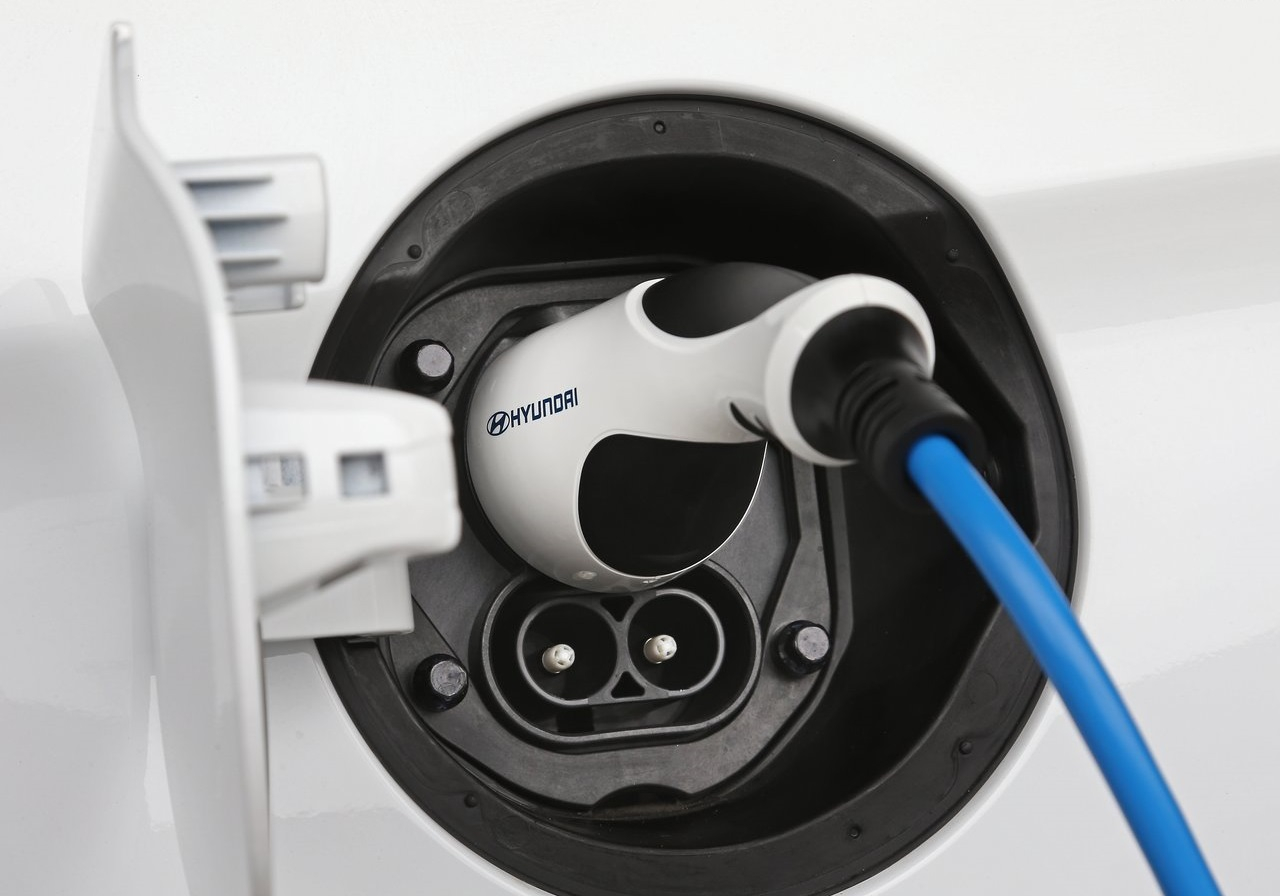 Hyundai ofrecerá una estación de recarga eléctrica a todos sus clientes de manera gratuita