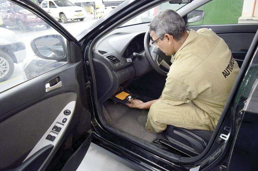 Cambio fusibles coche