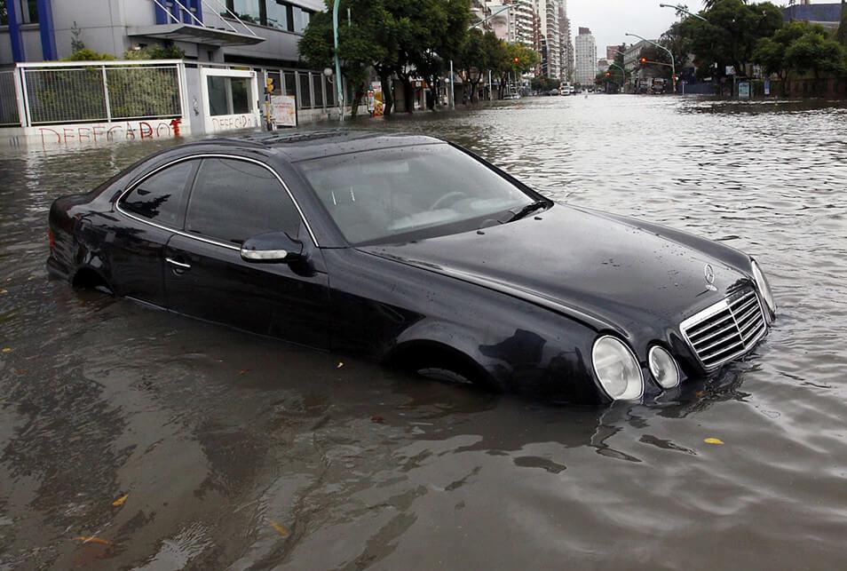 Top 7 señales de alarma de un auto inundado, no compres un problema