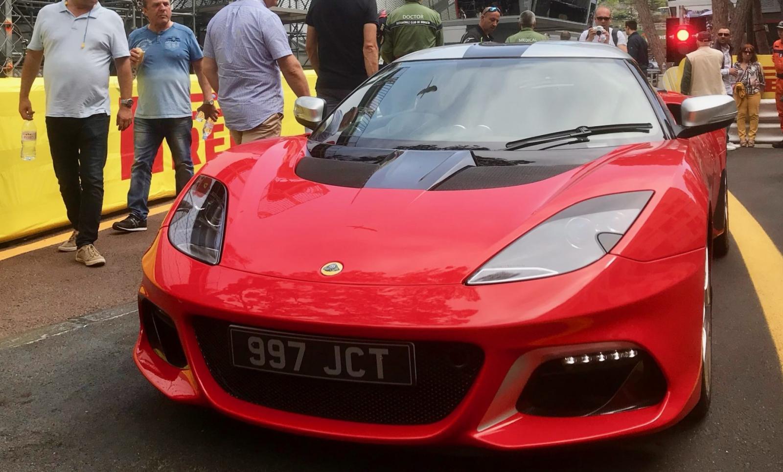 El Lotus Evora GT410 Jim Clark Special Edition es un homenaje al célebre piloto escocés