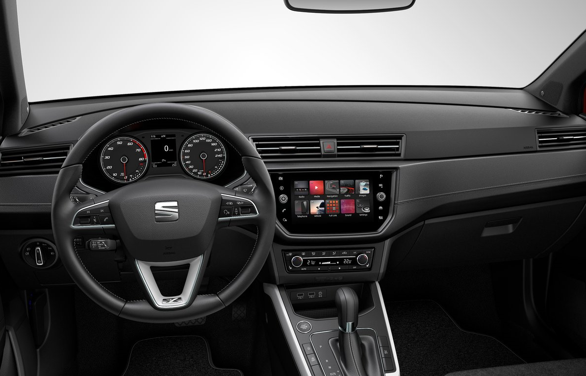 SEAT Arona Xcellence 2019 Suzuki Vitara GLX Boosterjet TA 2019 comparativa