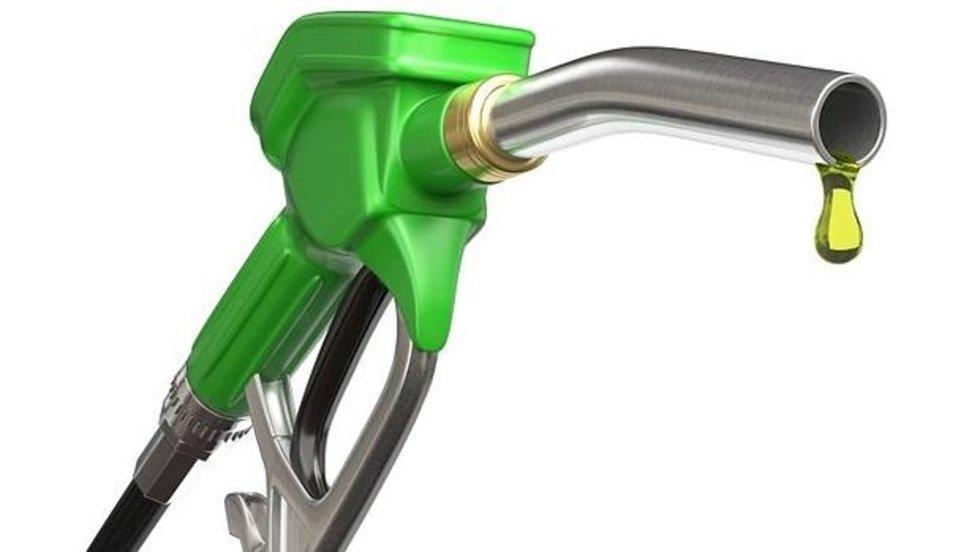 Agua en el tanque de gasolina