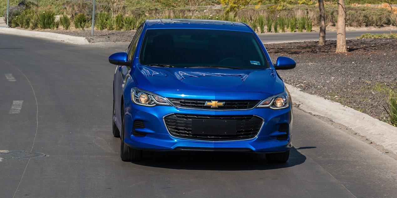 El Chevrolet Cavalier Premier Automático 2019 mantiene faros de halógeno, un aspecto que no convence y que no se ajusta a los estándares de la categoría