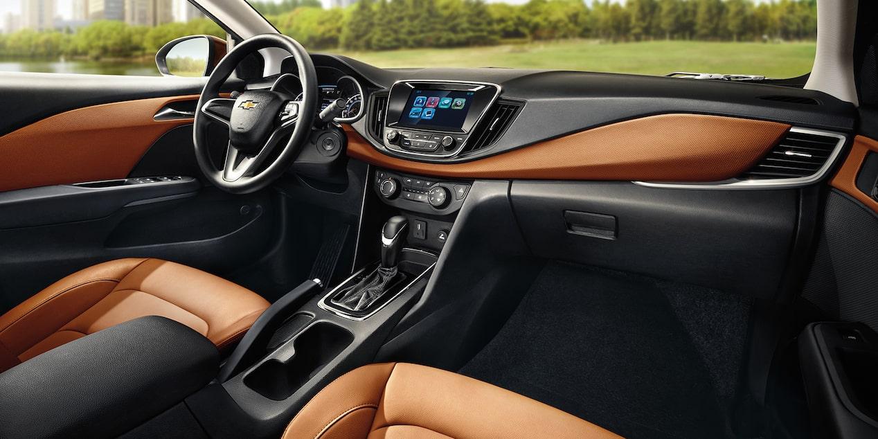 El habitáculo del Chevrolet Cavalier Premier Automático 2019 es muy elegante por tener asientos en tactopiel