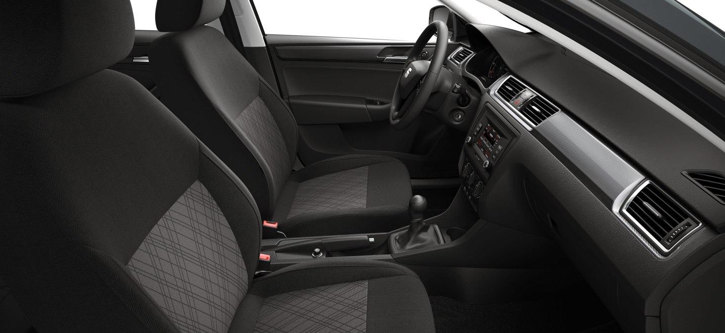 La cabina del SEAT Toledo Xcellence 2019 está bien construida y es muy espaciosa