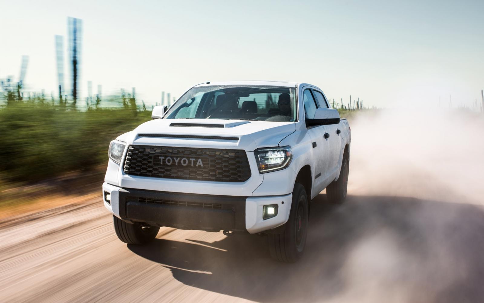 Ventajas desventajas de las pick up Toyota Tundra color blanco