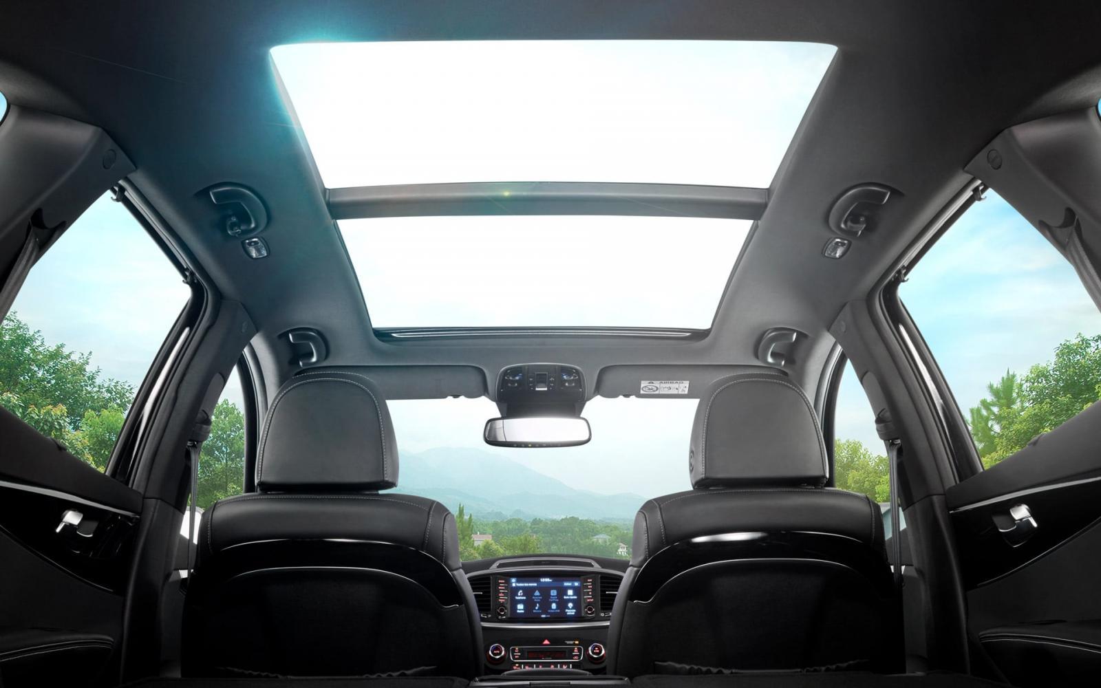 La Kia Sorento SXL AWD 2019 tiene una cabina muy amplia y con buena distribución del espacio