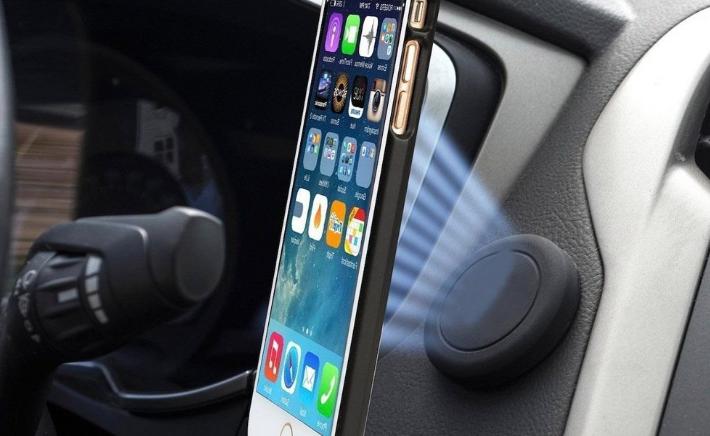 Los soportes de celular para auto magnéticos destacan por la facilidad de instalación y de uso